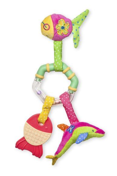 Жирафики Развивающая игрушка Погремушка Рыбки93545В основе этой игрушки - классическая погремушка-колечко с шариками внутри, которые гремят, если потрясти игрушкой в воздухе. Но это еще не все! Особенно привлекают малышей забавные рыбки на веревочках и мягкий прорезыватель для зубов. Играя, ребенок развивает мелкую моторику рук, слух и тактильные ощущения.
