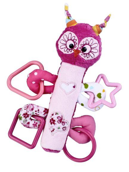 Жирафики Развивающая игрушка Сова с пищалкой93669Внутри туловища у этой симпатичной игрушки спрятан сюрприз - веселая и звонкая пищалка. К лапкам зверюшки прикреплены разноцветные фигурные прорезыватели для массажа десен. Играя, ребенок развивает мелкую моторику рук и тактильные ощущения.