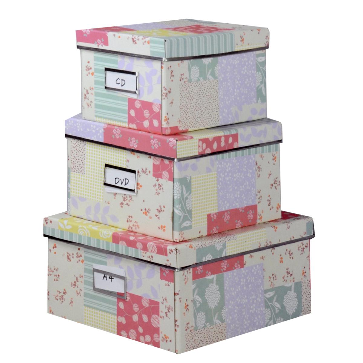 Набор коробок для хранения Нежность, 3 штLS-8181/8180/8179_3Кофры для хранения Нежность прекрасно подойдут для хранения личных вещей, различных аксессуаров, а также бытовых предметов. В комплекте 3 прямоугольных кофра разного размера, с крышками. Изделия выполнены из плотного картона, внешняя поверхность оформлена красивым растительным узором пастельных оттенков. Каждая из коробок снабжена специальным окошком, куда можно поместить стикер с пометкой содержимого. Эстетичный дизайн позволит набору гармонично вписаться в любой интерьер. Размер малого кофра: 16 см х 28 см х 14 см. Размер среднего кофра: 21 см х 28 см х 15 см. Размер большого кофра: 25 см х 36 см х 15 см.