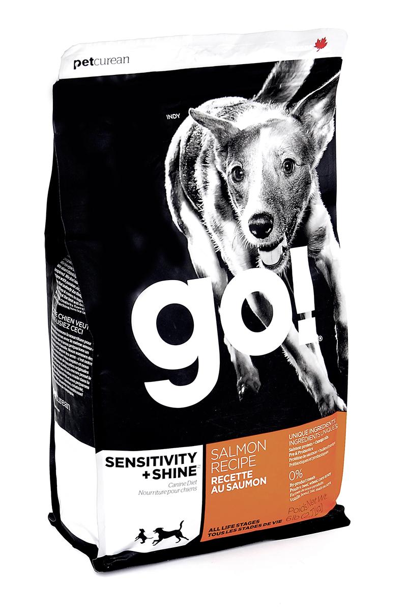 Корм сухой GO! для щенков и собак, беззерновой, с лососем и овсянкой, 2,72 кг10089Сухой корм GO! - полностью сбалансированный холистик корм из свежего канадского лосося и овсянки. Идеально подходит собакам с чувствительным пищеварением, склонным к аллергиям, и собакам с длинной роскошной шерстью. Ключевые преимущества: - не содержит ГМО, гормонов, субпродуктов, красителей, искусственных консервантов, - не содержит говядины, пшеницы, кукурузы, сои, - пробиотики и пребиотики обеспечивают здоровое пищеварение, - омега-масла в составе необходимы для здоровой кожи и шерсти, - антиоксиданты укрепляют иммунную систему, - сложные углеводы - отличный источник энергии. Состав: свежее мясо лосося, овсяные хлопья, картофель, филе лосося, масло канолы (источник витамина Е), яблоки, натуральный ароматизатор, семена льна, лебеда, зерна камута, карбонат кальция, хлорид калия, хлорид натрия, сушеные водоросли, витамины (витамин А, витамин D3, витамин Е, инозитол, ниацин, L- аскорбил-2-полифосфатов (источник...