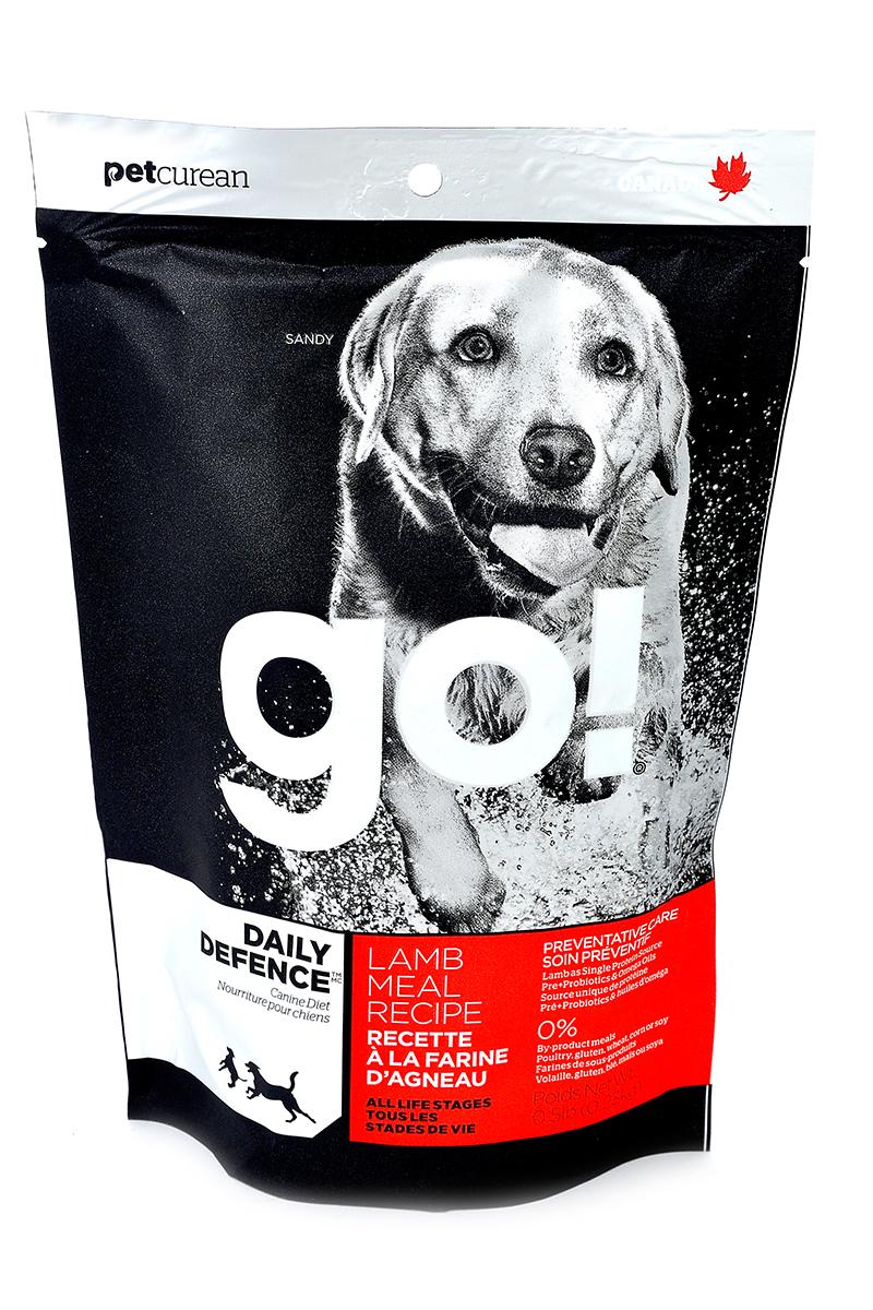 Корм сухой Go! для щенков и собак, с ягненком, 230 г10217Корм для щенков и собак Go! - полноценный корм обогащенный питательными веществами, обеспечивающий здоровье и активность вашего питомца на протяжении всей его жизни. В состав корма входят высококачественные источники белков, фрукты и овощи, богатые антиоксидантами и все необходимые жирные кислоты. Ключевые преимущества: - ягненок является единственным источником белка, обеспечивающего собаку необходимой энергией для активной жизни и хорошего настроения, - высококачественные гипоаллергенные ингредиенты подходят для чувствительной пищеварительной системы и защищают от проблем с ЖКТ, - оптимальное соотношение белков и жиров помогает собаке всегда оставаться в отличной физической форме, сохранять мышечную массу и не набирать лишний вес, - омега-3 и омега-6 жирные кислоты ухаживают за кожей и шерстью питомца, - кальций и фосфор укрепляют кости и зубы, помогают правильно развиться скелету, - весь комплекс витаминов и...