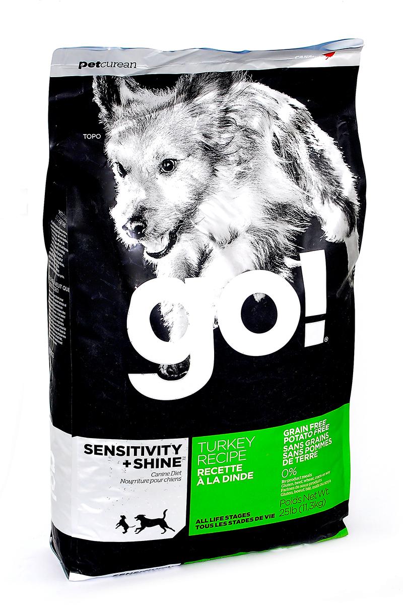Корм сухой GO! для щенков и собак с чувствительным пищеварением, беззерновой, с индейкой, 11,3 кг10225Сухой корм GO! предназначен для щенков и собак. В качестве основного источника углеводов используется чечевица, а не картофель, поэтому корм идеально подходит для собак чувствительных к картофелю (крахмалу) или при беззерновой диете. Основным источником белка является мясо индейки, что отлично подходит для собак с пищевой аллергией. Ключевые преимущества: - единственный источник белка - мясо индейки, - полностью беззерновой, - прибиотики и пробиотики нормализуют работу кишечника и улучшают работу пищеварительной системы, - жирные Омега кислоты - здоровье и блеск шерсти, - поддержка иммунной системы за счет фруктов и овощей, богатых антиоксидантами, - полное отсутствие субпродуктов, ГМО, искусственных консервантов, глютена, говядины, пшеницы, кукурузы и сои. Состав: свежее мясо индейки, филе индейки, горох, тапиока, каноловое масло (с Витамином Е в качестве консерванта), яичный порошок, гороховая клетчатка, натуральный...