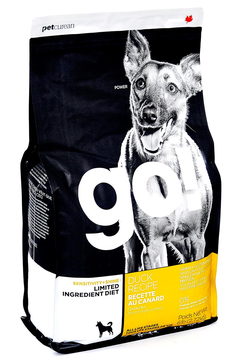 Корм сухой GO! для щенков и собак с чувствительным пищеварением, беззерновой, с цельной уткой, 2,72 кг10351Сухой корм GO! предназначен для щенков и собак, в составе которого используется утка в качестве единственного источника белка. Корм разработан специально для собак с особыми диетическими потребностями и пищевой чувствительностью. Состав: филе утки, дегидрированное мясо утки, горох, тапиока, чечевица, нут, масло канолы (с Витамином Е в качестве консерванта), кокосовое масло (с Витамином Е в качестве консерванта), натуральный ароматизатор, карбонат кальция, фосфат кальция, хлорид натрия, калия хлорид, сушеный корень цикория, хлорид холина, витамины (витамин А, витамин D3 добавки, витамин Е, инозитол, ниацин, L-аскорбил-2-полифосфат (источник витамина С), пантотенат д-кальция, тиамина мононитрат, бета-каротин, рибофлавин, пиридоксин гидрохлорид, фолиевая кислота, биотин, витамин В12), минералы (протеинат цинка, протеинат железа, протеинат меди, оксид цинка, протеинат марганца, сульфат меди, сульфат железа, йодат кальция, оксид марганца, селен), розмарин. ...