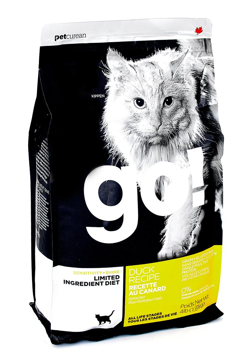 Корм сухой Go! для кошек и котят с чувствительным пищеварением, беззерновой, с уткой, 1,82 кг20330Беззерновой сухой корм Go! для котят и кошек - это полностью сбалансированный корм, в составе которого используется утка в качестве единственного источника белка. Корм разработан специально для кошек с особыми диетическими потребностями и пищевой чувствительностью. Состав: филе утки, дегидрированное мясо утки, яичный порошок, горох, гороховая клетчатка, тапиока, чечевица, нут, куриный жир (с Витамином Е в качестве консерванта), льняное семя, натуральный ароматизатор, хлорид натрия, хлорид холина, карбонат кальция, высушенный корень цикория, фосфорная кислота, хлорид калия, витамины (витамин А, витамин D3 добавки, витамин Е, ниацин, инозит, L-аскорбил-2-полифосфат (источник витамина С), тиамин мононитрат, пантотенат d-кальция, рибофлавин, пиридоксин гидрохлорид, бета-каротин, фолиевая кислота, биотин, витамин В12), минералы (протеинат цинка, железа протеинат, меди протеинат, оксид цинка, марганца протеинат, сульфат меди, йодат кальция, сульфат...