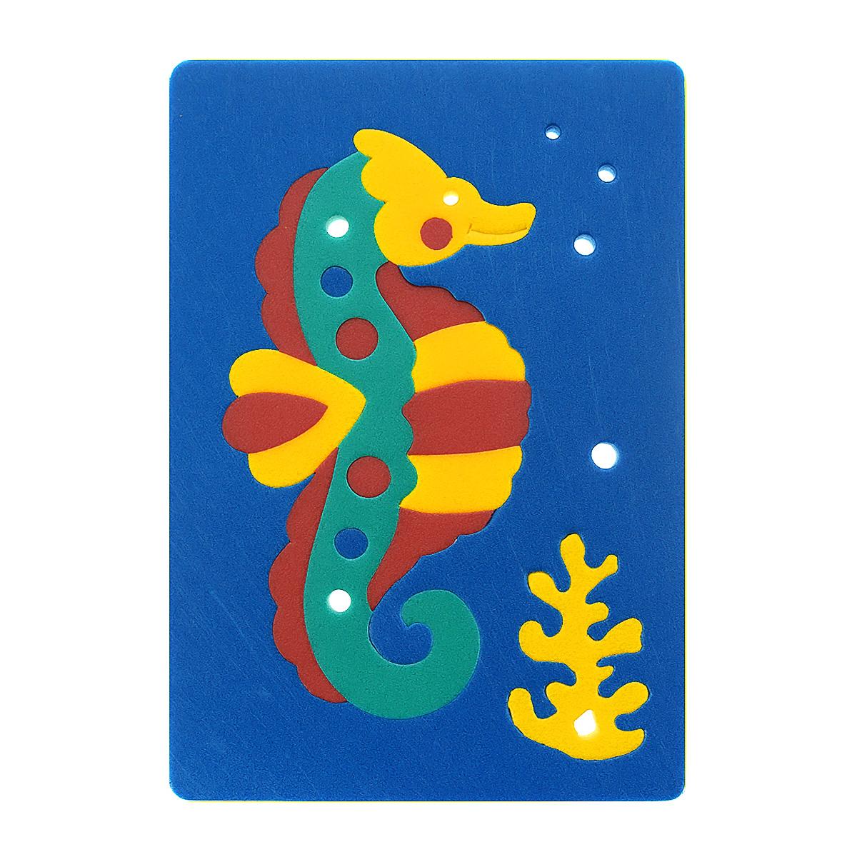 Мягкая мозаика Флексика Морской конек, цвет: синий45550Мозаика Попугай состоит из разноцветных элементов, которые в собранном виде составляют изображение симпатичного морского конька. Мозаика выполнена из современного, легкого, эластичного, прочного материала, который обеспечивает большую долговечность и является абсолютно безопасным для детей. Благодаря особой структуре материала и свойству прилипать к мокрой поверхности, мозаика является идеальной игрушкой для ванны и сделает процесс купания приятной забавой для ребенка. Мягкая мозаика развивает у ребенка память, воображение, моторику, пространственное и логическое мышление. Обучение происходит прямо во время игры!
