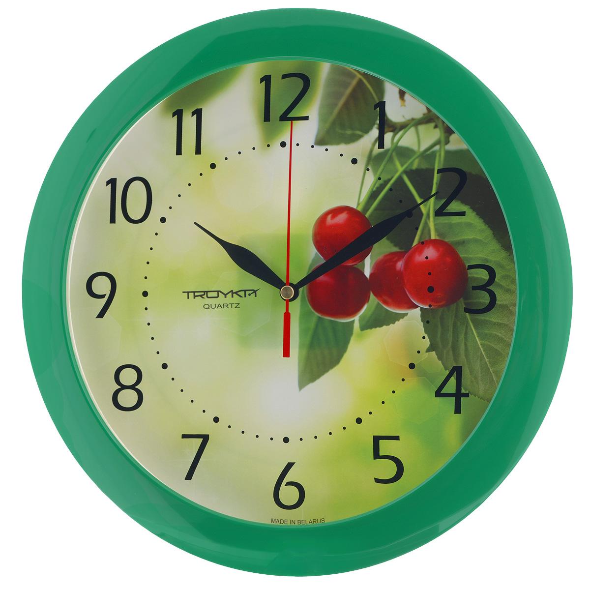 Часы настенные Troyka Вишенки, цвет: зеленый, красный. 1112016211120162Настенные кварцевые часы Troyka Вишенки, изготовленные из пластика, прекрасно подойдут под интерьер вашего дома. Круглые часы имеют три стрелки: часовую, минутную и секундную, циферблат украшен изображением вишни и защищен прозрачным пластиком. Диаметр часов: 29 см. Часы работают от 1 батарейки типа АА напряжением 1,5 В (входит в комплект).