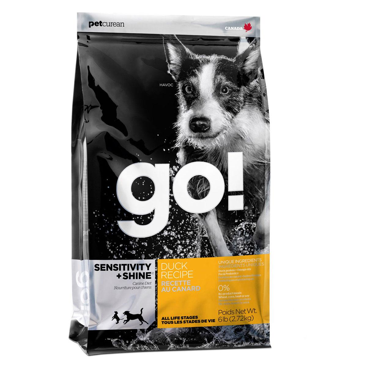 Корм сухой GO! для щенков и собак, беззерновой, с цельной уткой и овсянкой, 2,72 кг10093Сухой корм GO! - полностью сбалансированный холистик корм из цельной утки и овсянки. Утка - единственный источник белка, что идеально подходит собакам с чувствительным пищеварением, склонным к аллергиям, и собакам с длинной роскошной шерстью. Ключевые преимущества: - не содержит ГМО, гормонов, субпродуктов, красителей, искусственных консервантов, - не содержит говядины, пшеницы, кукурузы, сои, - пробиотики и пребиотики обеспечивают здоровое пищеварение, - омега-масла в составе необходимы для здоровой кожи и шерсти, - антиоксиданты укрепляют иммунную систему, - сложные углеводы - отличный источник энергии. Состав: свежее мясо утки, овсяные хлопья, картофель, цельный овес, филе утки, рапсовое масло (кисточник витамина E), яблоки, натуральный ароматизатор, семена льна, лебеда, зерна камута, карбонат кальция, хлорид калия, хлорид натрия, сушеные водоросли, витамины (витамин А, витамин D3, витамин Е, инозитол, ниацин,...