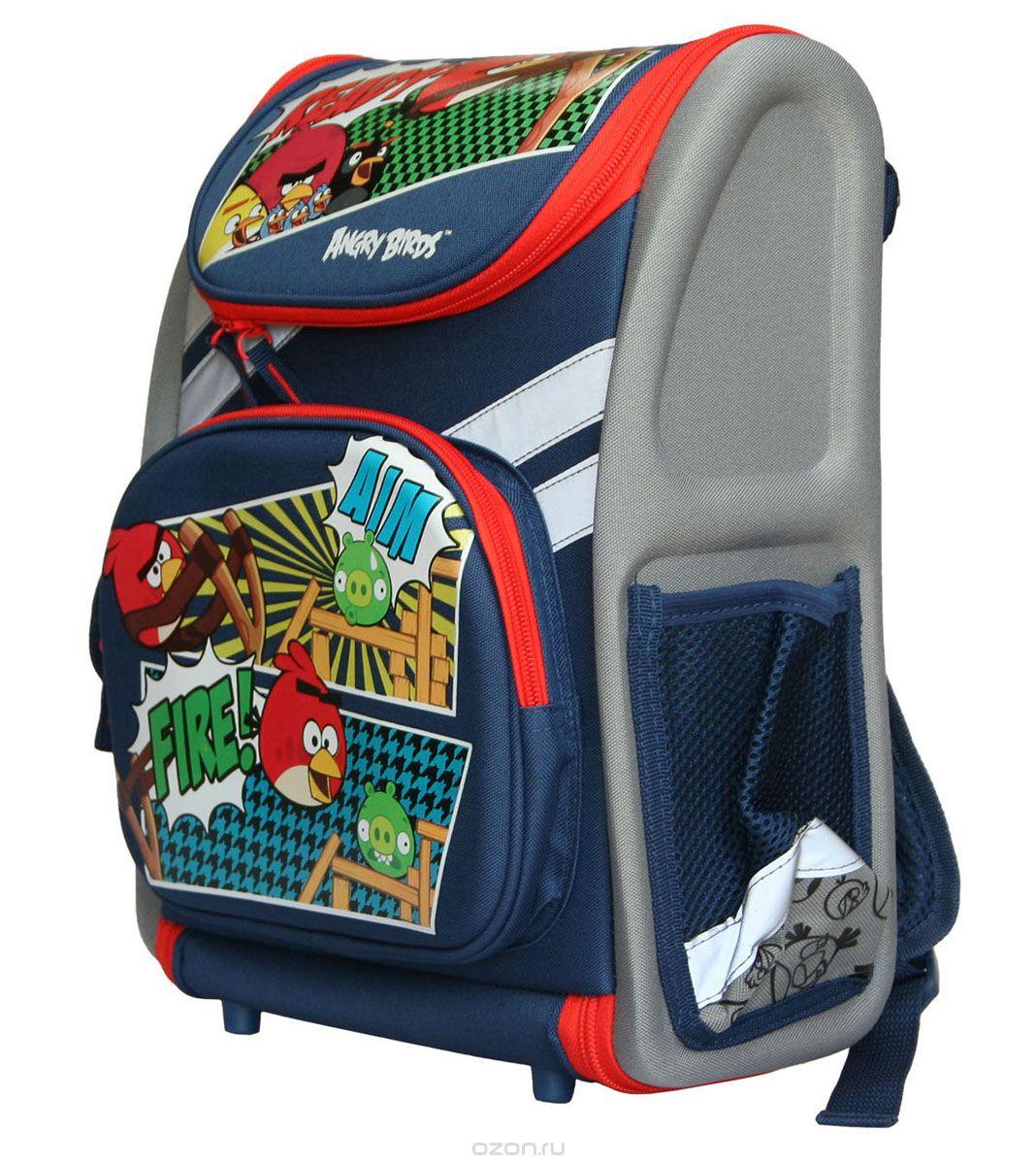 Ранец школьный Kinderline Angry Birds, цвет: синий, серый, красныйABBB-UT1-114Ранец школьный Kinderline Angry Birds выполнен из современного легкого и прочного материала серого и синего цвета с ярким рисунком. Ранец имеет одно основное отделение, закрывающееся на молнию с двумя бегунками. Ранец полностью раскладывается. Внутри главного отделения расположены: накладной сетчатый карман и два разделителя с утягивающей резинкой, предназначенные для размещения предметов без сложения, размером до формата А4 включительно. На лицевой стороне ранца расположен накладной карман на молнии. По бокам ранца размещены два дополнительных накладных кармана, один под клапаном на липучке, и один открытый. Рельеф спинки ранца разработан с учетом особенности детского позвоночника. Ранец оснащен ручкой для переноски и двумя широкими лямками, регулируемой длины. Дно ранца защищено пластиковыми ножками. Ранец оснащен удобной ручкой для переноски и двумя широкими лямками, регулируемой длины. Многофункциональный школьный ранец станет незаменимым спутником вашего...