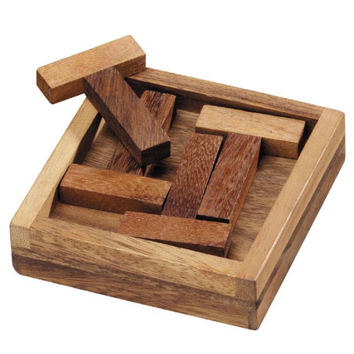 Dilemma Головоломка 4 ТIQ114Головоломка Dilemma 4 Т, выполненная из дерева, станет отличным подарком всем любителям головоломок! Пазл состоит из деревянной рамки и 4 деревянных деталей в форме буквы Т. Рамка имеет две стороны, одна из них немного больше другой. Уложите 4 фигуры в форме буквы Т в большую сторону рамки. Это просто. Теперь переверните рамку и попробуйте вместить 4 Т в другую ее часть (меньшую). Использование пилы и применение силы запрещено. Слишком сложно? Воспользуйтесь предложенным решением в качестве подсказки. Головоломка Dilemma 4 Т стимулирует логику, пространственное мышление и мелкую моторику рук.