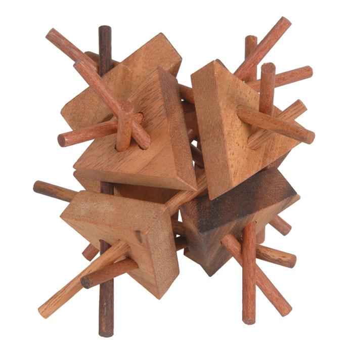 Dilemma Головоломка ЕжикIQ133Головоломка Dilemma Ежик, выполненная из дерева, станет отличным подарком всем любителям головоломок! Куб состоит из 8 треугольных деталей и 12 палочек. Попробуйте разобрать детали (это нетрудно), а затем собрать их обратно (это сложнее). Слишком сложно? Воспользуйтесь предложенным решением в качестве подсказки. Головоломка Dilemma Ежик стимулирует логику, пространственное мышление и мелкую моторику рук.