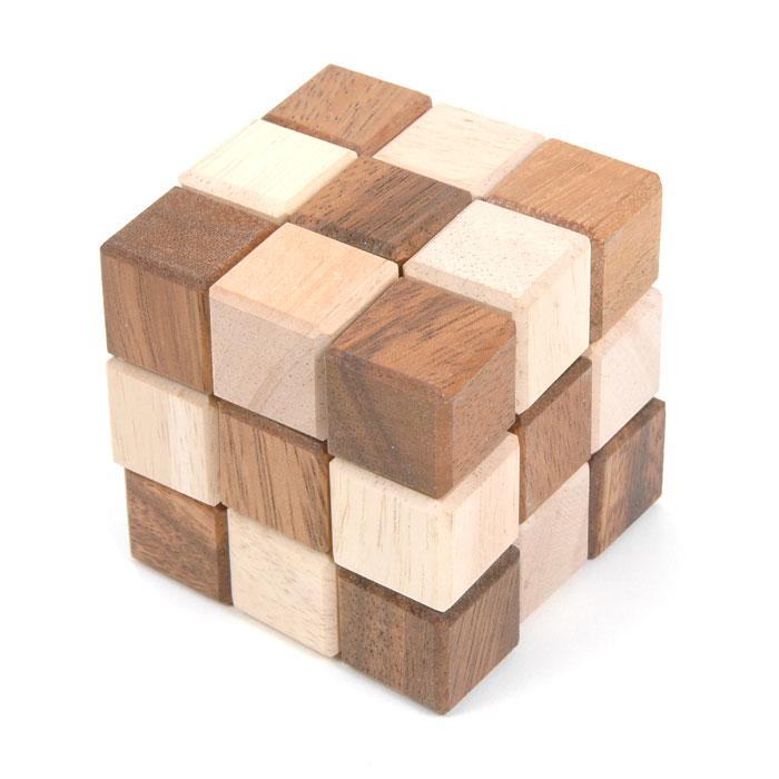 Dilemma Головоломка Причудливая змейкаIQ319Головоломка Dilemma Причудливая змейка, выполненная из дерева, станет отличным подарком всем любителям головоломок! Перед вами деревянный куб 3 x 3 x 3. Раскройте его, вытянув в извивающуюся змейку. Это просто! Теперь попробуйте собрать куб снова. Вот это уже сложнее! Использовать силу запрещено. Слишком сложно? Тогда вы можете воспользоваться предложенным решением в качестве подсказки. Игра рассчитана на одного игрока. Головоломка Dilemma Причудливая змейка стимулирует логику, пространственное мышление и мелкую моторику рук.