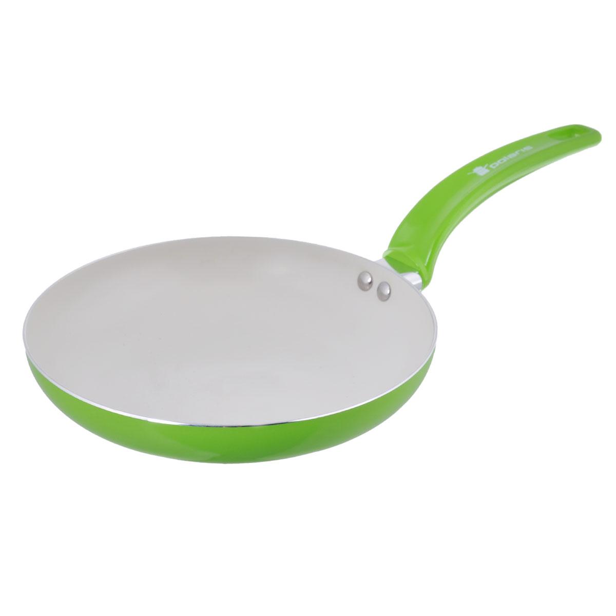 Сковорода Polaris Rainbow, с керамическим покрытием, цвет: салатовый. Диаметр 26 смRain-26FСковорода Polaris Rainbow изготовлена из штампованного алюминия толщиной 2,5 мм с керамическим антипригарным покрытием. Данное покрытие является абсолютно экологичным и не содержит вредных веществ, таких как PTFE и PFOA. Это позволяет готовить здоровую пищу с минимальным добавлением жира или подсолнечного масла. Сковорода быстро разогревается и распределяет тепло по всей поверхности. Сковорода оснащена удобной ручкой из бакелита. Изделие подходит для газовых, электрических, стеклокерамических плит. Не подходит для индукционных плит. Сковороду можно мыть в посудомоечной машине. Не использовать в СВЧ-печах. Высота стенки: 5 см. Толщина стенки: 2,5 мм. Толщина дна: 2,5 мм. Длина ручки: 18 см.