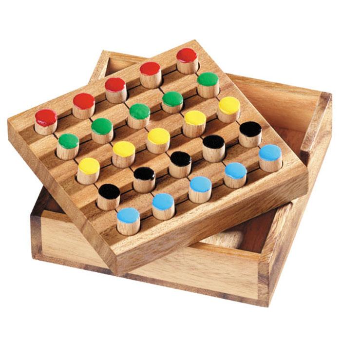 Dilemma Головоломка Пять отличийIQ308Головоломка Dilemma Пять отличий, выполненная из дерева, станет отличным подарком всем любителям головоломок! Игра включает в себя деревянную доску с 25 отверстиями и 25 фишек разных цветов (по 5 каждого цвета). Цель: расположить все фишки в отверстиях в соответствии с правилом. Правило: каждый из 5 цветов должен быть представлен на каждой линии (5 горизонтальных линий, 5 вертикальных линий и 2 диагонали). Это означает, что ни один из цветов не должен повторяться на каждой линии больше одного раза. Слишком сложно? Тогда вы можете воспользоваться предложенным решением в качестве подсказки. Игра рассчитана на одного игрока. Головоломка Dilemma Пять отличий стимулирует логику, пространственное мышление и мелкую моторику рук.