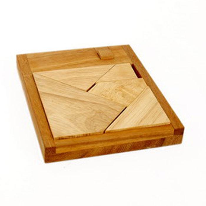 Dilemma Головоломка Сумасшествие 6IQ427Головоломка Dilemma Сумасшествие 6, выполненная из дерева, станет отличным подарком всем любителям головоломок! Головоломка состоит из 6 деревянных деталей и одной деревянной рамки. Попробуйте уложить в рамку пять деталей без маленького квадрата. Это должно быть просто! Теперь добавьте оставшуюся деталь в ту же рамку! Слишком сложно? Тогда вы можете воспользоваться предложенным решением в качестве подсказки. Игра рассчитана на одного игрока. Головоломка Dilemma Сумасшествие 6 стимулирует логику, пространственное мышление и мелкую моторику рук.