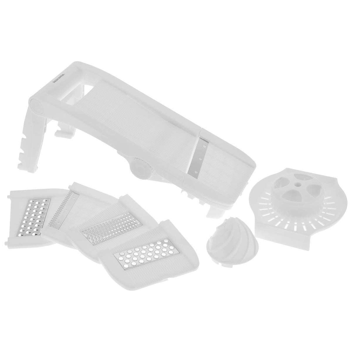 Мульти-терка Tescoma Мандолина, цвет: белый643862Мульти-терка Tescoma Мандолина выполнена из высококачественного пластика. Режущие лезвия насадок из нержавеющей стали обеспечивают эффективную нарезку продуктов. В комплект входят 5 съемных насадок: для фигурной нарезки, мелкой шинковки, крупной шинковки, нарезки твердых продуктов (твердого сыра, шоколада), для плоской нарезки, а также два встроенных лезвия для нарезки ломтиков картофеля крупного и мелкого размера. Кроме того, в комплекте безопасный держатель для продуктов и массивная ручка для удобного пользования. Терка снабжена выдвижными ножками с силиконовыми антискользящими вставками для комфортной работы. Можно мыть в посудомоечной машине. Размер терки в сложенном виде: 34 см х 12,5 см х 6,5 см. Размер терки с выдвинутыми ножками: 35 см х 12,5 х 16,5 см. Размер насадки: 12,7 см х 11 см х 0,7 см.