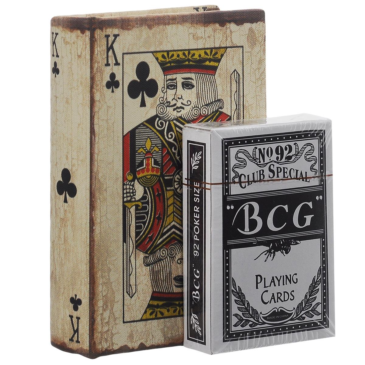 Набор игральных карт Феникс-презент Король треф, в коробке, 54 листа36313Набор Феникс-презент Король треф состоит из одной колоды игральных карт с клетчатыми рубашками. Карты выполнены из картона с пластиковым покрытием. Изделие хранится в стильной коробке с изображением короля треф. Игральные карты помогут разнообразить ваш досуг. Размер коробки: 13,5 см х 9,5 см х 2,8 см. Размер карты: 9 см х 6,3 см.