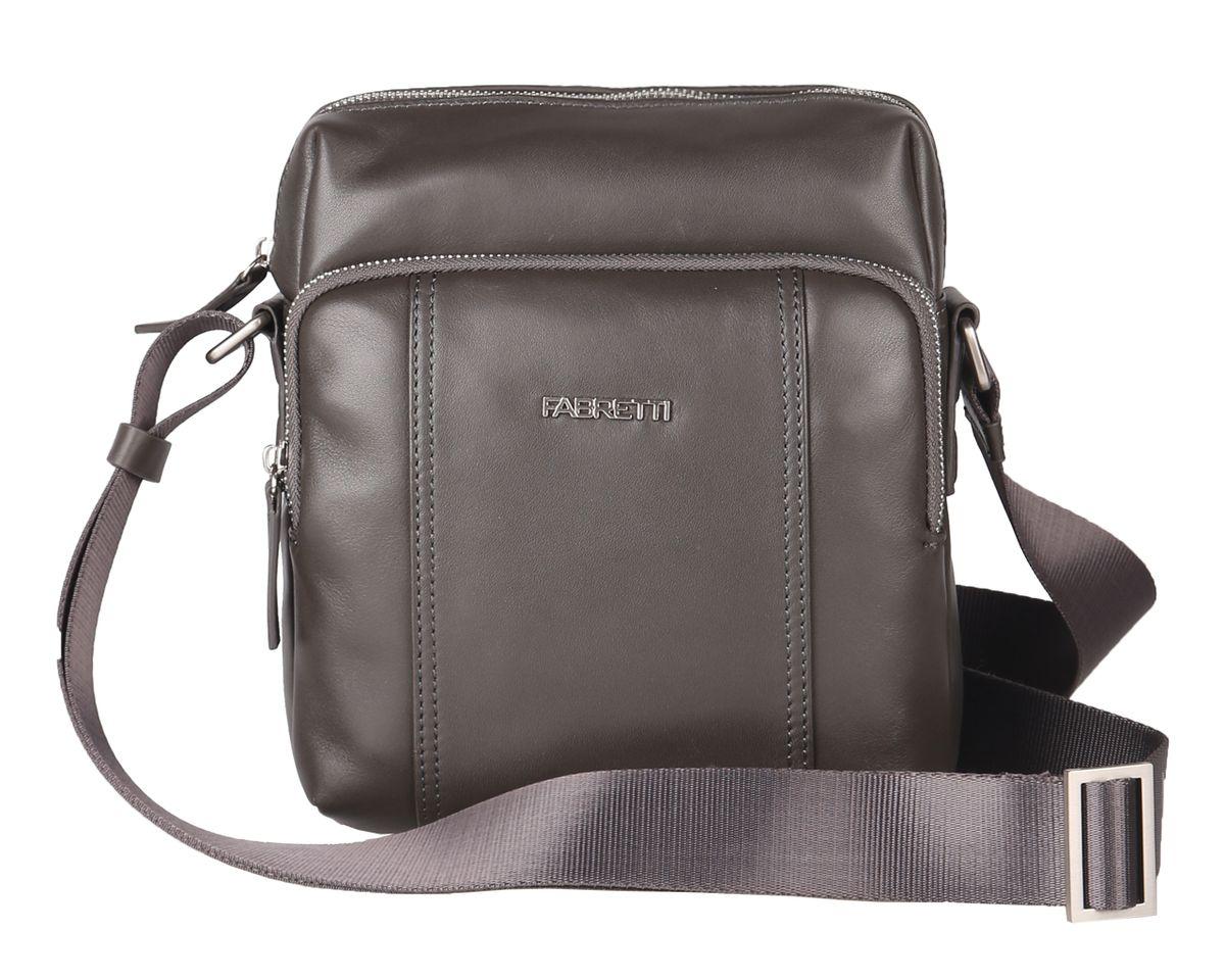 Сумка мужская Fabretti, цвет: серый. 6427FAB6427FAB-assampleМужская сумка Fabretti выполнена из натуральной кожи. Модель имеет одно основное отделение, которое закрывается на застежку-молнию. Внутри имеется прорезной карман на застежке-молнии. Снаружи на передней стенке - накладной карман на застежке-молнии, внутри которого имеется накладной открытый карман и два держателя для авторучки. На задней стенке располагается дополнительный накладной карман на магнитной кнопке. Изделие оснащено текстильным плечевым ремнем, который регулируется по длине. Сумка упакована в фирменный текстильный чехол. Этот стильный аксессуар станет изысканным дополнением к вашему образу и отличным подарком!
