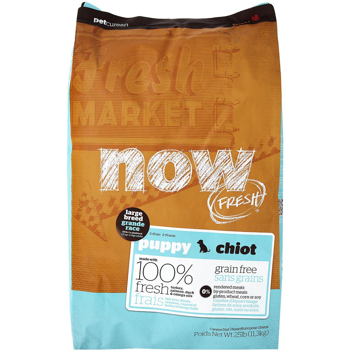 Корм сухой Now Fresh для крупных собак, беззерновой, с индейкой, уткой и овощами, 11,3 кг10115Now Fresh - полностью сбалансированный холистик корм для собак крупных пород от 2 до 15 месяцев из филе индейки, утки и лосося. Производится из свежего мясного филе, лучших овощей и сочных фруктов. Это первый беззерновой корм со сбалансированным содержание белков и жиров. Ключевые преимущества: - не содержит субпродуктов, красителей, говядины, мясных ингредиентов, выращенных на гормонах, - новозеландские зеленые мидии (глюкозамин и хондроитин) способствуют здоровью суставов, - L-карнитин и таурин необходимы для здоровья сердечно-сосудистой системы. L-карнитин активно участвует в сжигании жира, - пробиотики и пребиотики обеспечивают здоровое пищеварение, - омега-масла в составе необходимы для здоровой кожи и шерсти, - антиоксиданты укрепляют иммунную систему. Состав: филе индейки, свежие цельные яйца, картофель, горох, картофельная мука, натуральный ароматизатор, утиное филе, филе лосося, тапиока, льняное масло,...