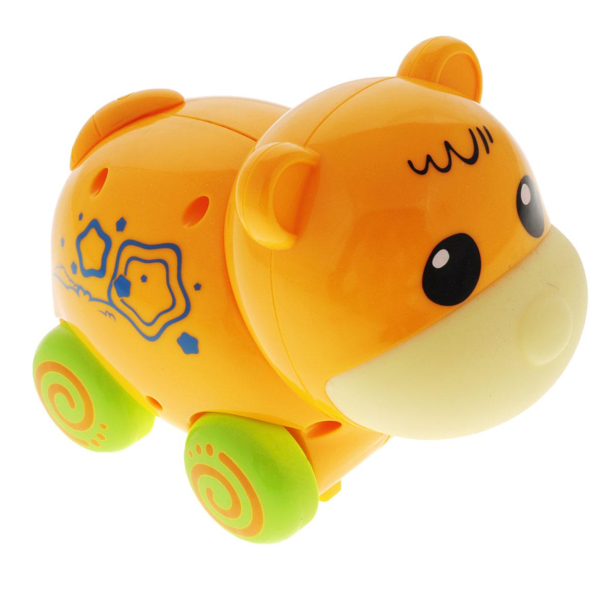 Игрушка Mioshi Active Зверята: Мишка, цвет: оранжевыйMAC0303-002Игрушка на колесиках Mioshi Active Зверята: Мишка- это отличный подарок для ребенка! Она выполнена в ярком дизайне из прочных и безопасных материалов. Игрушка оснащена звуковыми эффектами - игра станет еще интересней благодаря щечкам со звуком. При нажатии кнопочек, расположенных сбоку, малыш услышит три веселых мелодии. Длина игрушки - 15 см. Для работы требуются 3 батарейки AG13 (входят в комплект).