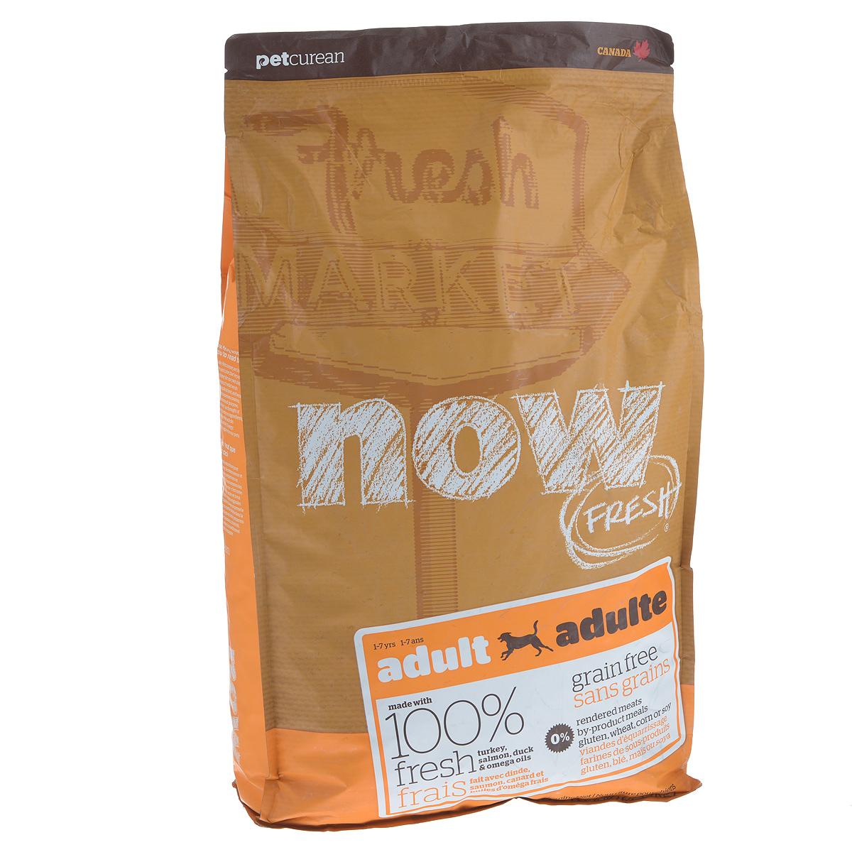 Корм сухой Now Fresh для взрослых собак, беззерновой, с индейкой, уткой и овощами, 5,44 кг10122Now Fresh - полностью сбалансированный холистик корм из свежего филе индейки и утки, выращенных на канадских фермах, из лосося без костей, выловленного в озерах Британской Колумбии для взрослых собак всех пород. Это первый беззерновой корм со сбалансированным содержание белков и жиров. Ключевые преимущества: - не содержит субпродуктов, красителей, говядины, мясных ингредиентов, выращенных на гормонах, - омега-масла в составе необходимы для здоровой кожи и шерсти, - пробиотики и пребиотики обеспечивают здоровое пищеварение, - антиоксиданты укрепляют иммунную систему. Состав: филе индейки, картофель, горох, яблоки, свежие цельные яйца, томаты, картофельная мука, льняное масло, рапсовое масло (источник витамина Е), натуральный ароматизатор, утиное филе, филе лосося, сушеная люцерна, кокосовое масло (источник витамина Е), морковь, тыква, бананы, черника, клюква, малина, ежевика, папайя, ананас, грейпфрут, чечевица, ...