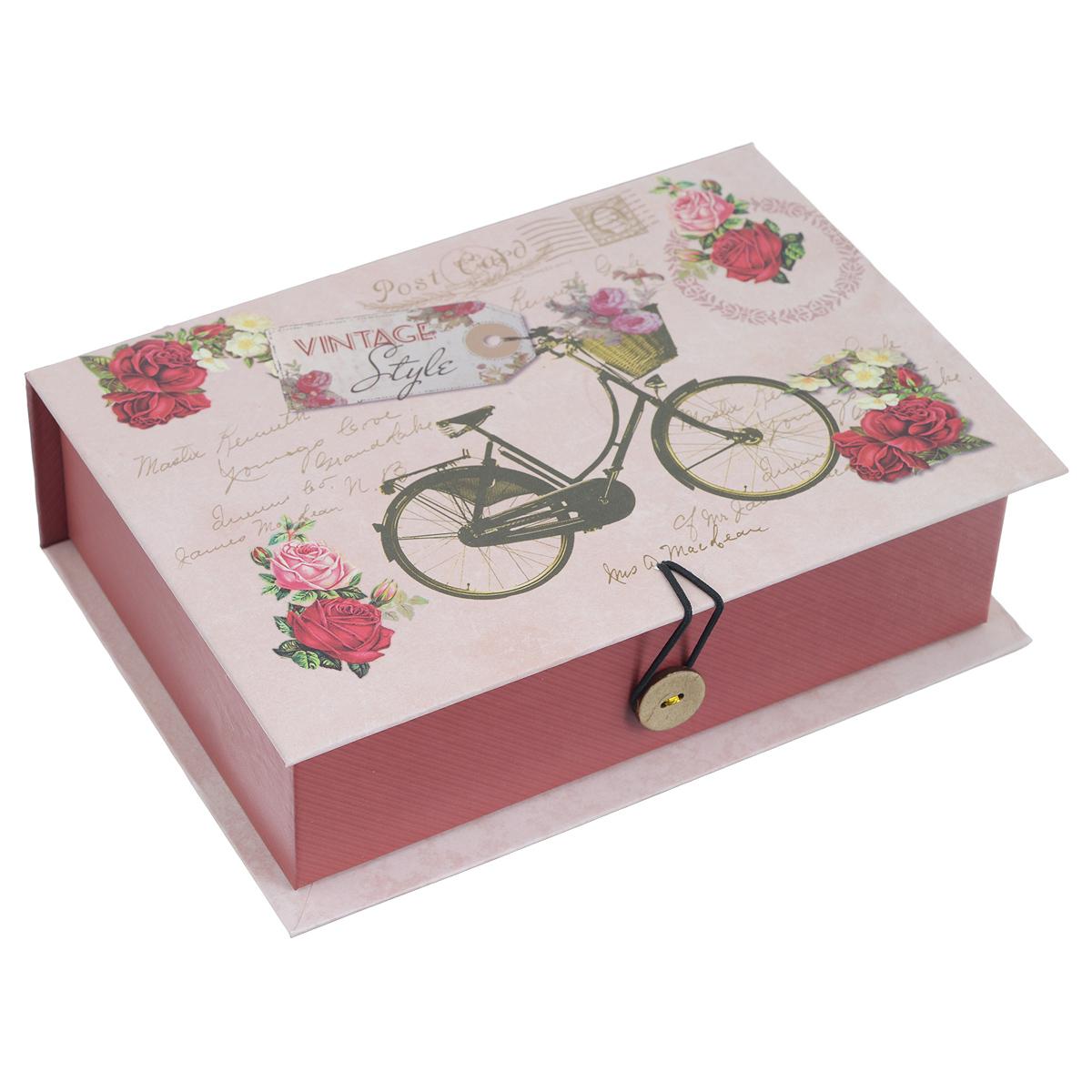 Подарочная коробка Велосипед, 20 х 14 х 6 см39479Подарочная коробка Велосипед выполнена из плотного картона. Изделие оформлено изображением велосипеда и цветов. Коробка закрывается на пуговицу. Подарочная коробка - это наилучшее решение, если вы хотите порадовать ваших близких и создать праздничное настроение, ведь подарок, преподнесенный в оригинальной упаковке, всегда будет самым эффектным и запоминающимся. Окружите близких людей вниманием и заботой, вручив презент в нарядном, праздничном оформлении. Плотность картона: 1100 г/м2.