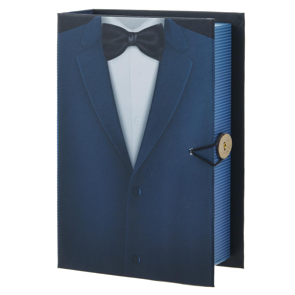 Подарочная коробка Джентльмен, 20 х 14 х 6 см39477Подарочная коробка Джентльмен выполнена из плотного картона. Изделие оформлено изображением мужского пиджака с галстуком. Коробка закрывается на пуговицу. Подарочная коробка - это наилучшее решение, если вы хотите порадовать ваших близких и создать праздничное настроение, ведь подарок, преподнесенный в оригинальной упаковке, всегда будет самым эффектным и запоминающимся. Окружите близких людей вниманием и заботой, вручив презент в нарядном, праздничном оформлении. Плотность картона: 1100 г/м2.