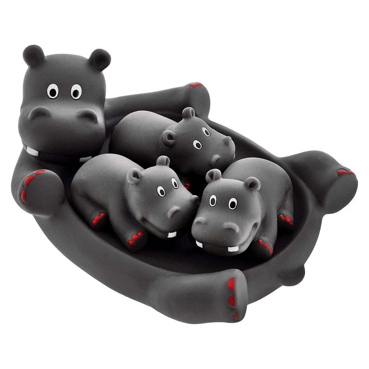 Игровой набор для ванны Mioshi Семья бегемотиков, 4 штMAU0304-017С набором для ванны Mioshi Семья бегемотиков принимать водные процедуры станет ещё веселее и приятнее. Набор включает в себя обаятельное семейство бегемотиков: маму и 3 детишек. Все составляющие набора приятны на ощупь, имеют удобную для захвата маленькими пальчиками эргономичную форму и быстро сохнут. Забавным дополнением также будет возможность игрушек брызгать водой при сжатии. Устраивайте водные сражения! Игрушки Mioshi Aqua помогают малышам быстрее приспосабливаться к водной среде, а процесс принятия водных процедур делают веселым и увлекательным.