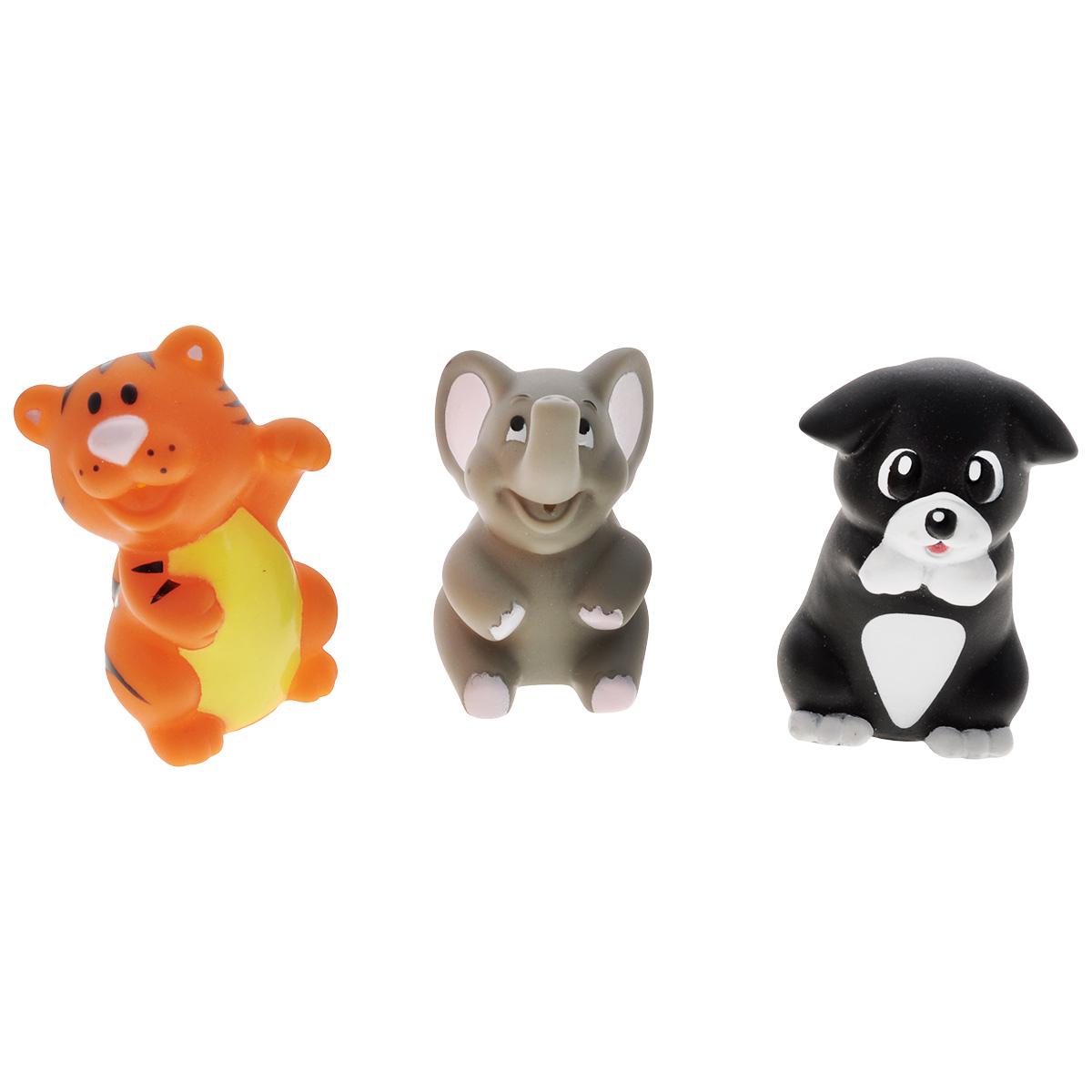 Игровой набор для ванны Mioshi Удивительные животные, 3 штMAU0304-009С набором для ванны Mioshi Удивительные животные принимать водные процедуры станет ещё веселее и приятнее. Набор включает в себя три разные игрушки: тигренка, слоненка и собачку. Все составляющие набора приятны на ощупь, имеют удобную для захвата маленькими пальчиками эргономичную форму и быстро сохнут. Забавным дополнением также будет возможность игрушек брызгать водой при сжатии. Устраивайте водные сражения! Игрушки Mioshi Aqua помогают малышам быстрее приспосабливаться к водной среде, а процесс принятия водных процедур делают веселым и увлекательным.