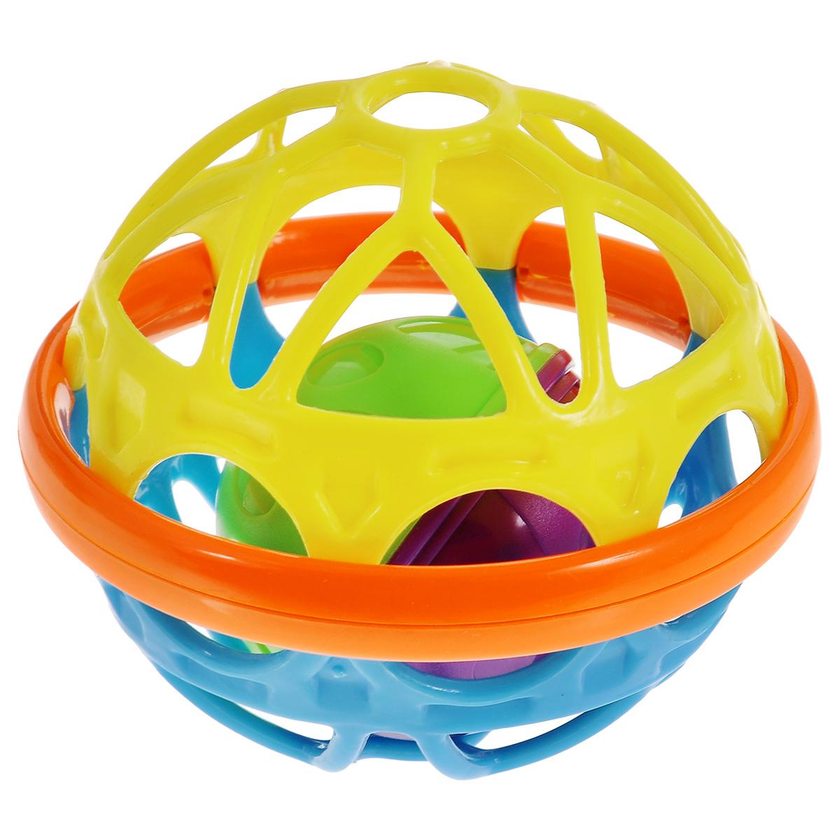 Погремушка Mioshi Гибкий шар, цвет: желтый, голубойTY9062Забавная погремушка Mioshi Гибкий шар в форме красочного шара настраивает детишек на игривый лад, стимулирует развитие зрительного, слухового и тактильного восприятия. Приятную на ощупь игрушку детишкам можно не только держать в ручках, но и просто катать по полу, как мячик, а затем ползти за ней. Дети в раннем возрасте всегда очень любознательны, они тщательно исследуют все, что попадает им в руки. > Игра с погремушкой способствует развитию мелкой моторики, восприятия формы и цвета предметов, а также слуха и зрения. Заботясь о здоровье и безопасности малышей, Mioshi выпускает только качественную продукцию, которая прошла сертификацию.