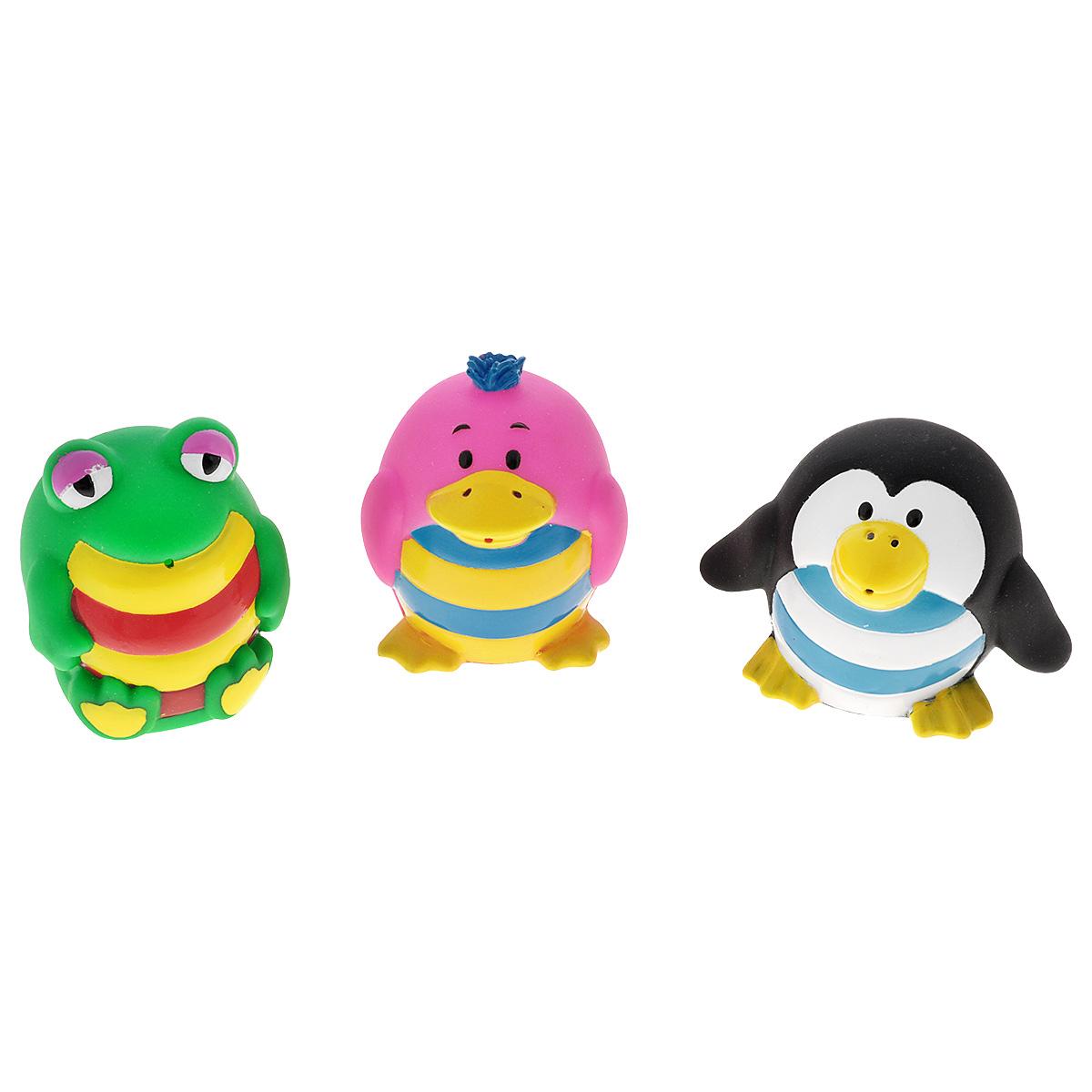 Игровой набор для ванны Mioshi Малыши-кругляши, 3 штMAU0304-010С набором для ванны Mioshi Малыши-кругляши принимать водные процедуры станет ещё веселее и приятнее. Набор включает в себя три разные игрушки: лягушонка, пингвинёнка и розового птенчика. Все составляющие набора приятны на ощупь, имеют удобную для захвата маленькими пальчиками эргономичную форму и быстро сохнут. Забавным дополнением также будет возможность игрушек брызгать водой при сжатии. Устраивайте водные сражения! Игрушки Mioshi Aqua помогают малышам быстрее приспосабливаться к водной среде, а процесс принятия водных процедур делают веселым и увлекательным.