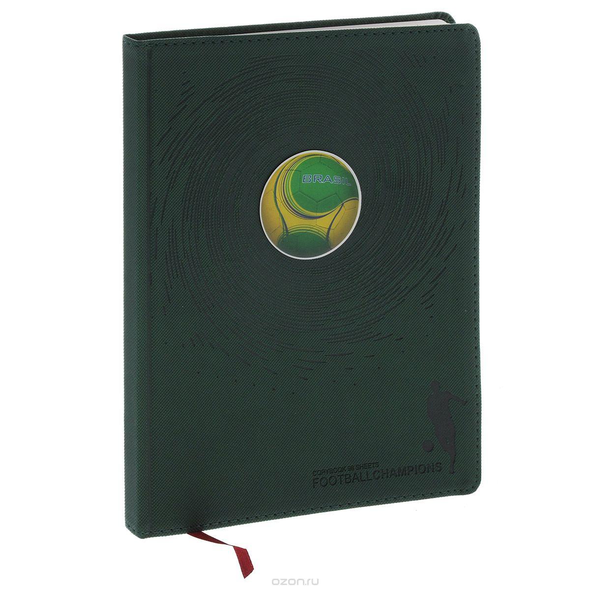 Тетрадь общая Футбольные мячи, цвет: зеленый, 96 листов. 7-96-8777-96-877Тетрадь в клетку Альт Футбольные мячи подойдет как студенту, так и школьнику. Гибкая, высокопрочная интегральная обложка с закругленными углами выполнена из итальянского переплетного материала и прошита по периметру. Цветная полимерная наклейка на обложке в виде футбольного мяча - оригинальная деталь оформления. Внутренний блок состоит из 192 страниц для записей с тонированной бежевой бумагой, дополнена полями для удобства размещения заметок. Тетрадь имеет ляссе и блок для заполнения личных данных.
