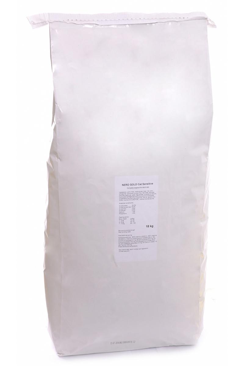 NERO GOLD super premium Для Кошек с чувствительным пищеварением: Ягненок (Cat Adult Sensitive), 18 кг.20052Состав: дегидрированное мясо ягненка, кукурузный глютен, мука, рис, маис, куриный жир, гидролизованная куриная печень, дегидрированная рыба, клетчатка (мин. 5 %), мякоть свеклы, дрожжи, яичный порошок, минералы и витамины, гидролизованные хрящи (источник хондроитина), гидролизат ракообразных (источник глюкозамина), рыбий жир, инулин (мин. 0,5 % FOS), лецитин (мин. 0,5 %), холина хлорид, таурин.