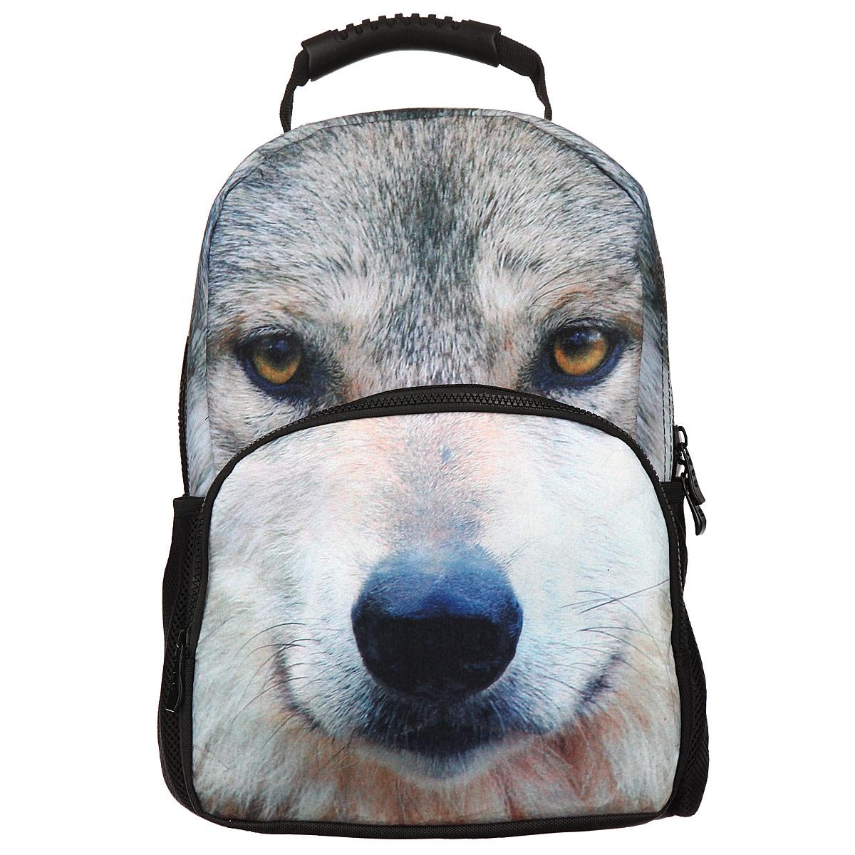 Рюкзак школьный Trend Line Wolf, цвет: черный. NR_00046NR_00046Стильный школьный рюкзак Trend Line выполнен из полиэстера, дополнен вставкой из флиса, которая оформлена художественной печатью с изображением Wolf. Рюкзак имеет одно основное отделение, закрывающееся на застежку-молнию. Снаружи, на лицевой стороне, рюкзака размещен накладной карман на молнии, внутри которого предусмотрен еще один накладной карман на липучке. С двух сторон изделия расположены два накладных сетчатых кармашка. В верхней части изделия предусмотрена эргономичная ручка для переноски, а также предусмотрены регулируемые лямки. Такой рюкзак станет незаменимым спутником вашего ребенка в походах за знаниями.