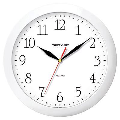 Часы настенные Troyka, цет: белый. 1111011311110113Настенные кварцевые часы Troyka в классическом стиле, изготовленные из пластика, прекрасно подойдут под интерьер вашего дома. Круглые часы имеют три стрелки: часовую, минутную и секундную, циферблат защищен прозрачным пластиком. Диаметр часов: 29 см. Часы работают от 1 батарейки типа АА напряжением 1,5 В. Внимание! Часы укомплектованы бесплатным тестовым элементом питания для обеспечения их работоспособности при предпродажной подготовке и демонстрации рабочих функций.