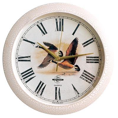 Часы настенные Troyka, цвет: белый. 1117310511173105Настенные кварцевые часы Troyka в винтажном стиле, изготовленные из пластика, прекрасно подойдут под интерьер вашего дома. Круглые часы имеют три стрелки: часовую, минутную и секундную, циферблат защищен прозрачным пластиком. Диаметр часов: 29 см. Часы работают от 1 батарейки типа АА напряжением 1,5 В. Внимание! Часы укомплектованы бесплатным тестовым элементом питания для обеспечения их работоспособности при предпродажной подготовке и демонстрации рабочих функций.