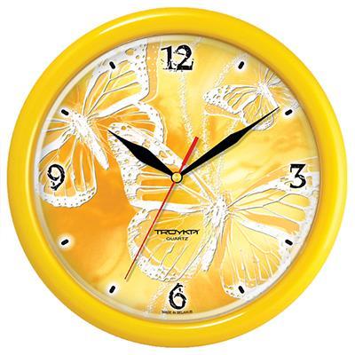 Часы настенные Troyka, цвет: желтый. 2125028821250288Настенные кварцевые часы Troyka с изображением бабочек, изготовленные из пластика, прекрасно подойдут под интерьер вашего дома. Круглые часы имеют три стрелки: часовую, минутную и секундную, циферблат защищен прозрачным пластиком. Диаметр часов: 24,5 см. Часы работают от 1 батарейки типа АА напряжением 1,5 В. Внимание! Часы укомплектованы бесплатным тестовым элементом питания для обеспечения их работоспособности при предпродажной подготовке и демонстрации рабочих функций.