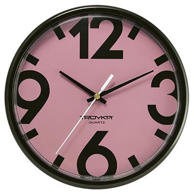 Часы настенные Troyka, черные. 9190091791900917TROYKA 91900917 часы настенные (Розовый фон, черное кольцо, большие цифры, круг, пластик) Материал: пластик; размер: диаметр 225 мм; цвет: черные