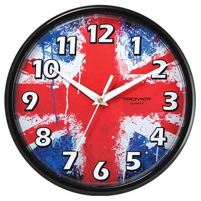 Часы настенные Troyka, цвет: черный. 9190092891900928Настенные кварцевые часы Troyka с изображением флага Великобритании, изготовленные из пластика, прекрасно подойдут под интерьер вашего дома. Круглые часы имеют три стрелки: часовую, минутную и секундную, циферблат защищен прозрачным пластиком. Диаметр часов: 22,5 см. Часы работают от 1 батарейки типа АА напряжением 1,5 В. Внимание! Часы укомплектованы бесплатным тестовым элементом питания для обеспечения их работоспособности при предпродажной подготовке и демонстрации рабочих функций.