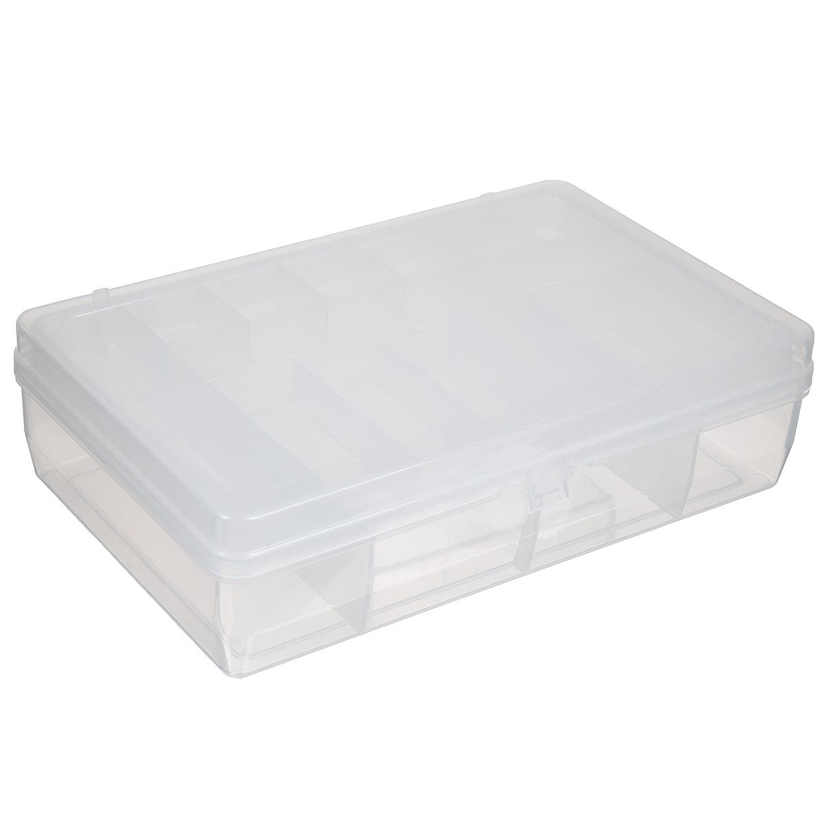Коробка для мелочей Trivol, двухъярусная, цвет: белый, 23,5 х 15 х 6 см525823_белыйДвухъярусная коробка для мелочей Trivol изготовлена из высококачественного пластика. Прозрачная крышка позволяет видеть содержимое коробки. Изделие имеет два яруса. Верхний ярус представляет собой съемное отделение, в котором содержится 15 прямоугольных ячеек. Нижний ярус имеет 3 ячейки разного размера. Коробка прекрасно подойдет для хранения швейных принадлежностей, рыболовных снастей, мелких деталей и других бытовых мелочей. Удобный и надежный замок-защелка обеспечивает надежное закрывание крышки. Коробка легко моется и чистится. Такая коробка поможет держать вещи в порядке. Размер самой маленькой ячейки: 3,5 см х 3 см х 1,7 см. Размер самой большой ячейки: 13 см х 14,5 см х 5 см.