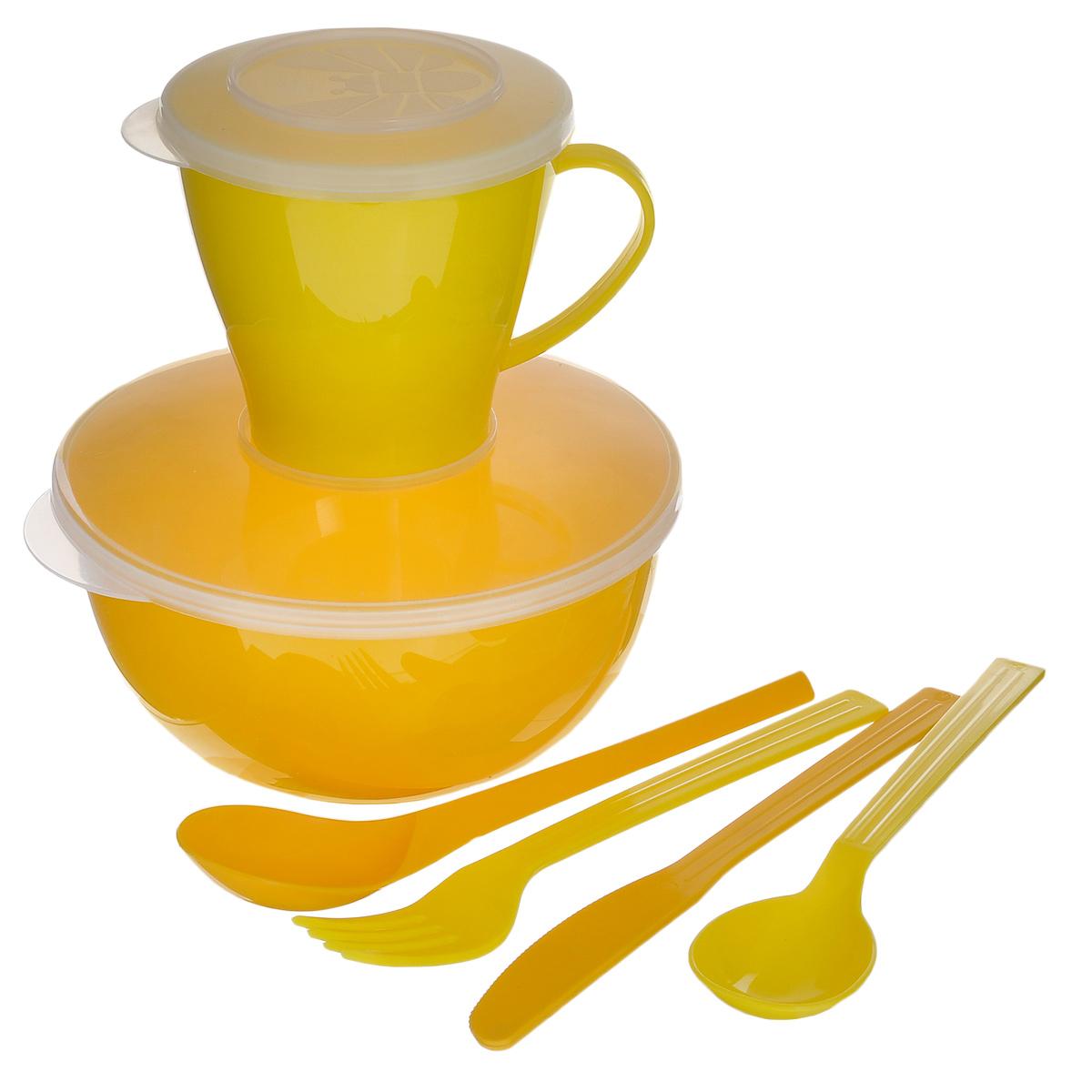 Набор посуды Solaris Походный, цвет: желтый, на 1 персонуS1105Компактный минималистичный набор посуды Solaris Походный из качественного полипропилена, в удобной виниловой сумке с ручкой и молнией. Свойства посуды: Посуда из ударопрочного пищевого полипропилена предназначена для многократного использования. Легкая, прочная и износостойкая, экологически чистая, эта посуда работает в диапазоне температур от -25°С до +110°С. Можно мыть в посудомоечной машине. Эта посуда также обеспечивает: Хранение горячих и холодных пищевых продуктов; Разогрев продуктов в микроволновой печи; Приготовление пищи в микроволновой печи на пару (пароварка); Хранение продуктов в холодильной и морозильной камере; Кипячение воды с помощью электрокипятильника. Состав набора: Миска с герметичной крышкой, 1 л; Чашка с герметичной крышкой, 0,36 л; Вилка; Ложка столовая; Нож; Ложка чайная. Диаметр миски: 15 см. Высота миски: 7,5 см. Диаметр чашки по верхнему краю: 9,1 см. ...