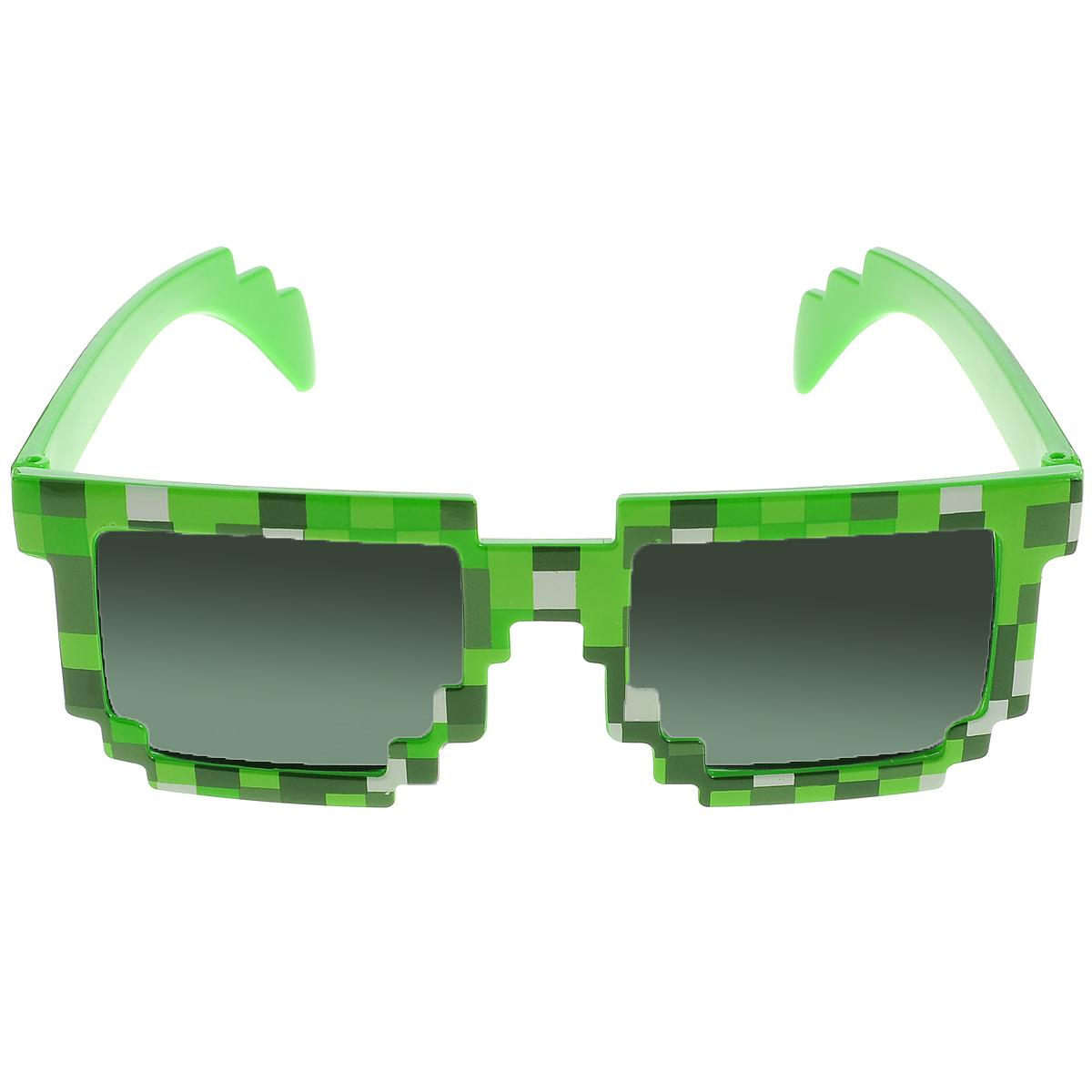 Очки солнечные Minecraft Пиксельные, цвет: зеленый, черный81073Наикрутейшие солнечные пиксельные очки в зеленой оправе! Очки пиксельные Minecraft (Майнкрафт) - это стильный и качественно выполненный аксессуар из игры Minecraft. Если ваш ребенок увлекается игрой Майнкрафт, такой подарок ему очень понравится! Яркий, эффектный дизайн очков Майнкрафт привлекает внимание с первого взгляда.