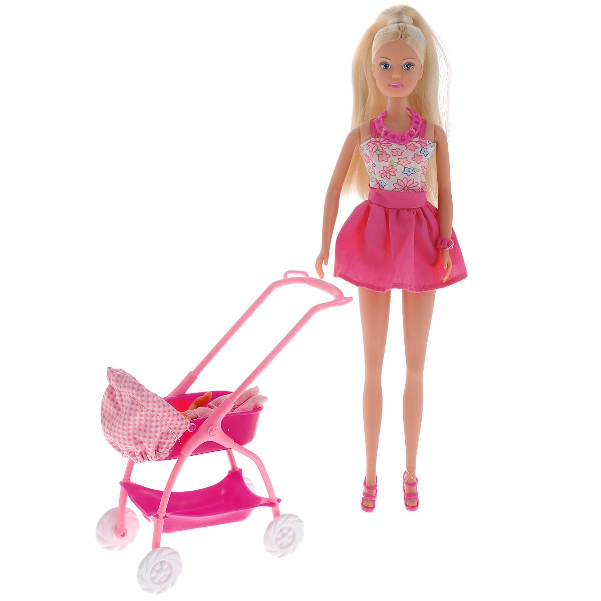 Simba Кукла Штеффи с ребенком цвет розовый белый5733067Кукла Simba Штеффи с ребенком надолго займет внимание вашей малышки и подарит ей множество счастливых мгновений. Кукла изготовлена из пластика, ее голова, ручки и ножки подвижны, что позволяет придавать ей разнообразные позы. В комплект входит коляска, кукла-ребенок и разнообразные аксессуары для него: соска, бутылочки, посуда и игрушки. Куколка одета в удобное и стильное платье, украшенное рисунком с цветами. Наряд дополняют розовые туфельки. Чудесные длинные волосы куклы так весело расчесывать и создавать из них всевозможные прически, плести косички, жгутики и хвостики. Благодаря играм с куклой, ваша малышка сможет развить фантазию и любознательность, овладеть навыками общения и научиться ответственности, а дополнительные аксессуары сделают игру еще увлекательнее. Порадуйте свою принцессу таким прекрасным подарком!