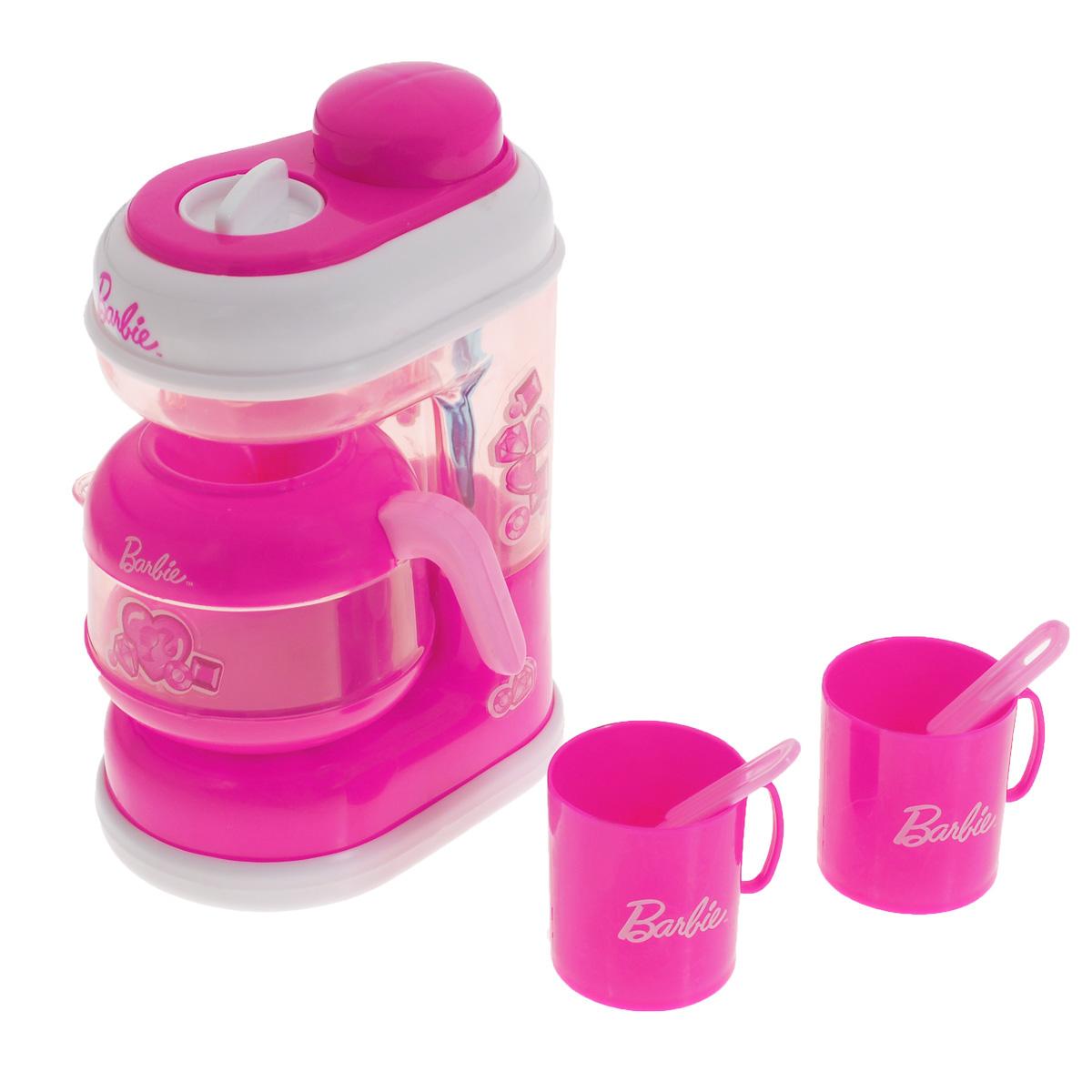 Кофемашина Barbie, с аксессуарамиJRFCOFFE-BBКофемашина Barbie непременно понравится вашей маленькой хозяюшке и не позволит ей скучать. Кофемашина выполнена из прочного безопасного пластика розового цвета. Чтобы включить игрушку, поверните ручку, расположенную в верхней части корпуса. При нажатии большой розовой кнопки сверху, включится подсветка и раздадутся реалистичные звуки льющейся воды. Такая игрушка поможет ребенку развить звуковое восприятие, мелкую моторику рук и координацию движений, а также станет важным элементом сюжетно-ролевых игр и познакомит ребенка с работой настоящих бытовых приборов. Игра с такой кухонной техникой превратится в увлекательное событие, которое обязательно порадует ребенка. Рекомендуется докупить 2 батарейки типа АА (товар комплектуется демонстрационными).