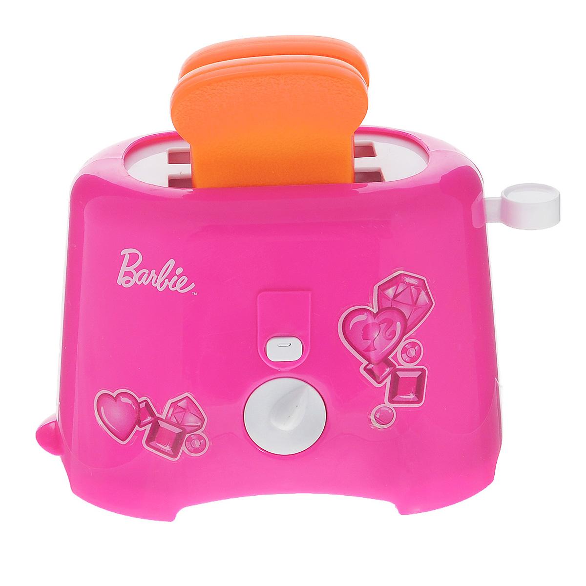 Barbie Игрушка ТостерJRFTOASTE-BBТостер Barbie непременно понравится вашей маленькой хозяюшке и не позволит ей скучать. Красочный тостер выполнен из прочного безопасного пластика розового цвета. Тостер выглядит и работает совсем как настоящий - просто поместите хлеб в тостер, отведите рычаг вниз и поверните таймер. В комплект входят 2 кусочка хлеба из пластика. Такая игрушка поможет ребенку развить звуковое восприятие, мелкую моторику рук и координацию движений, а также станет важным элементом сюжетно-ролевых игр и познакомит ребенка с работой настоящих бытовых приборов. Игра с такой кухонной техникой превратится в увлекательное событие, которое обязательно порадует ребенка. Рекомендуется докупить 2 батарейки типа АА (товар комплектуется демонстрационными).