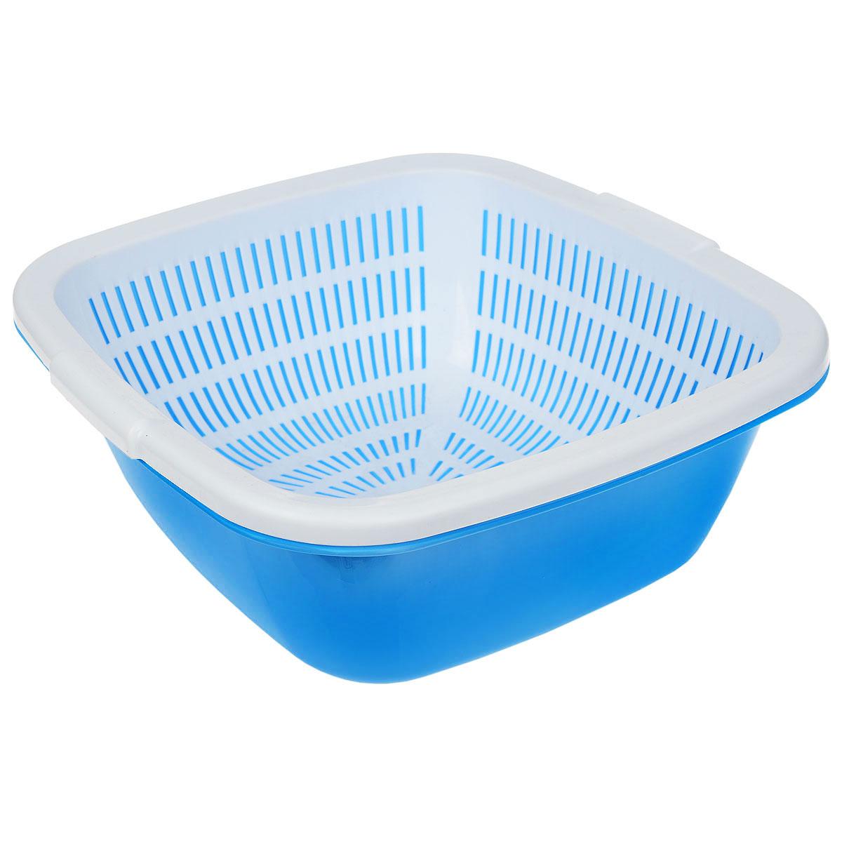 Дуршлаг квадратный Dunya Plastik, с поддоном, цвет: голубой, белый, 9,5 л10226_голубой/белыйДуршлаг квадратный Dunya Plastik, изготовленный из пластика, станет полезным приобретением для вашей кухни. Он идеально подходит для процеживания, ополаскивания и стекания макарон, овощей, фруктов. Дуршлаг оснащен поддоном, устойчивым основанием и удобными ручками по бокам. Размер дуршлага по верхнему краю (с учетом ручек): 33,5 см х 35 см. Внутренний размер дуршлага: 29,5 см х 29,5 см. Высота стенки дуршлага: 14 см. Размер поддона: 33,5 см х 33,5 см х 13,5 см.