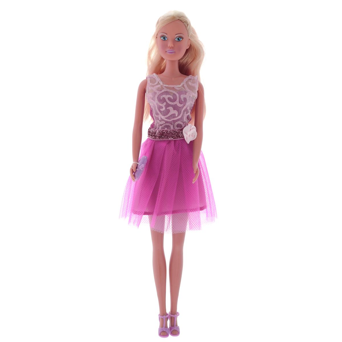 Simba Кукла Steffi Love Fashion Star5730696Кукла Simba Steffi Love. Fashion Star надолго займет внимание вашей малышки и подарит ей множество счастливых мгновений. Кукла изготовлена из пластика, ее голова, ручки и ножки подвижны, что позволяет придавать ей разнообразные позы. Куколка одета в элегантное вечернее платье с пышной юбкой, украшенное блестками и дополненное декоративным цветком на поясе. Наряд дополняют стильные босоножки и модная сумочка-клатч. Чудесные длинные волосы куклы так весело расчесывать и создавать из них всевозможные прически, плести косички, жгутики и хвостики. Благодаря играм с куклой, ваша малышка сможет развить фантазию и любознательность, овладеть навыками общения и научиться ответственности, а дополнительные аксессуары сделают игру еще увлекательнее. Порадуйте свою принцессу таким прекрасным подарком!