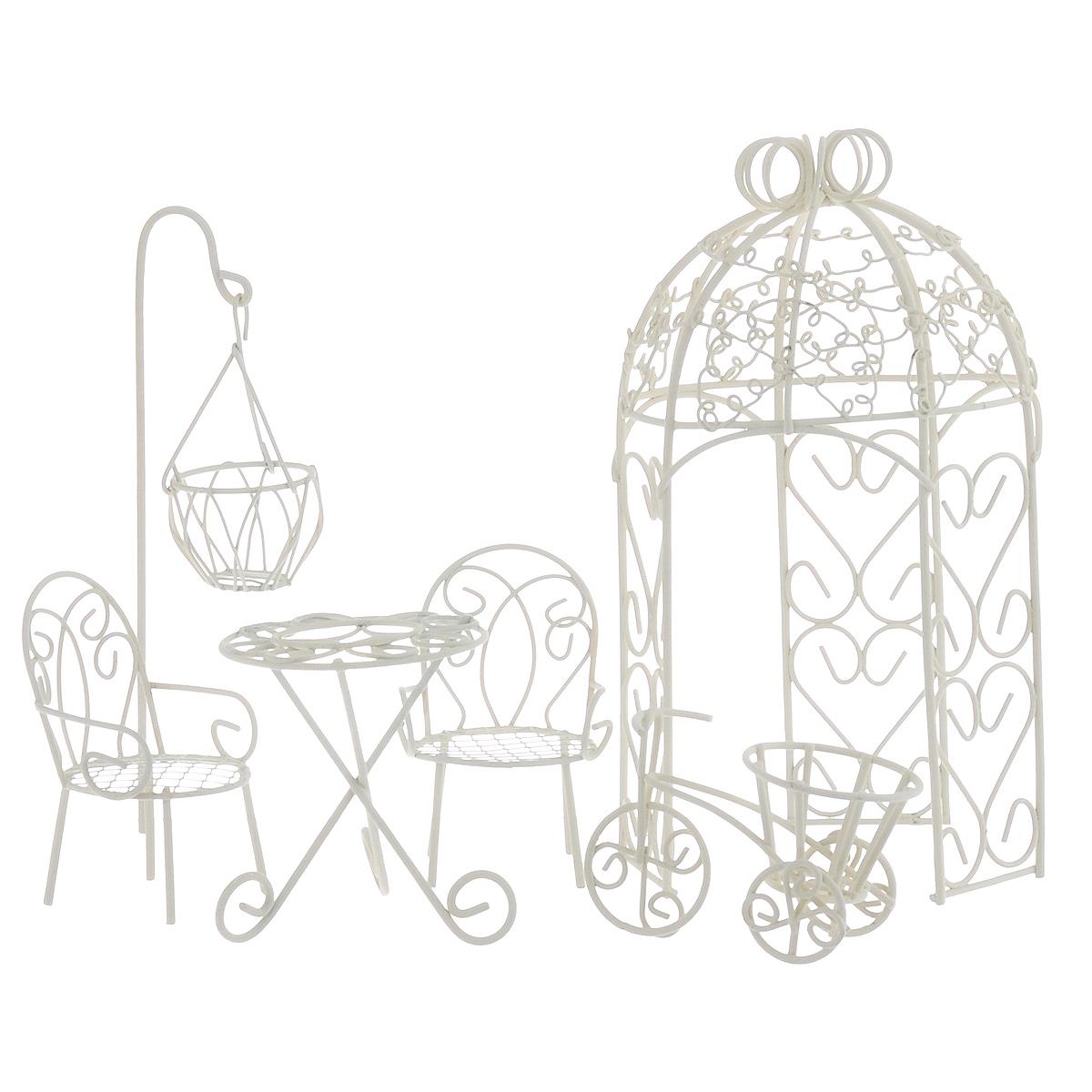 Миниатюра кукольная Bloom`its Садовый декор, цвет: белый, 6 предметов827055Кукольный набор Bloom`its Садовый декор изготовлен из металла. Такая миниатюра прекрасно подойдет для декорирования кукольных домиков, а также для оформления работ в самых различных техниках. В набор входит: беседка, 2 стула, стол, велосипед и фонарь. Размер беседки: 17,5 см х 10 см х 9 см. Размер стола: 6 см х 6 см х7 см. Размер стульев: 7,5 см х 5 см х 4 см. Размер велосипеда: 7 см х 5 см х 4 см. Размер фонаря: 15 см х 4 см х 4 см.