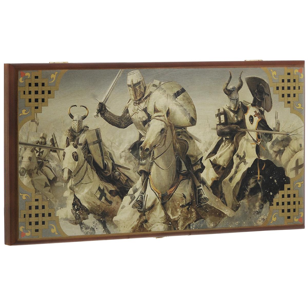 Игровой набор 3в1 Perfecto Крестоносцы: нарды, шахматы, шашки, размер: 50х25х4 см. 290msh290mshНарды Крестоносцы упакованы в деревянный лакированный кейс, оформленный оригинальным изображением и дополнительным полем для игры в шашки и шахматы. Кейс закрывается на металлический замок. Внутренняя часть кейса представляет собой игровое поле. В наборе - 2 игральных кубика, деревянные шашки и шахматные фигуры. Цель игры состоит в том, чтобы сначала привести шашки в свой дом (мешая в тоже время сделать это сопернику), а затем, когда это удалось сделать, снять их с доски быстрее соперника. Побеждает тот, кто первым снял свои шашки, но победы в нардах имеют разную цену. Нарды - древняя восточная игра. Родина этой игры неизвестна, однако известно, что люди играют в эту игру уже более 7000 лет. На игровой доске для нард все кратно шести и имеет связь со временем. 24 пункта представляют 24 часа, 30 шашек представляют 30 дней в месяце, 12 пунктов на каждой стороне доски символизируют 12 месяцев. Нарды могут стать отличным подарком...
