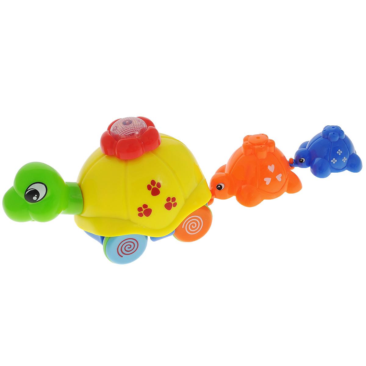 Развивающая игрушка Малышарики Семья черепашек, со световыми и звуковыми эффектамиMSH0303-002Развивающая игрушка Малышарики Семья черепашек - это не только веселая, но и полезная игрушка для малыша. Она не позволит ему скучать и научит новому. В комплект входит большая, средняя и маленькая черепашки. Игрушка выполнена из безопасного прочного пластика ярких цветов. Мама-черепашка может перевозить своих детишек на спине, или водить за собой - для этого необходимо закрепить игрушки на панцире черепашки, либо соединить их цепочкой при помощи пластиковых крючков. Потяните и отпустите большую черепашку, и зазвучит веселая мелодия, а цветочек на ее панцире начнет светиться. Покрутите цветок на панцире по часовой стрелке, и черепашка поедет вперед или начнет кружиться на месте, забавно качая головой. Игры с такой игрушкой развивают мелкую моторику, концентрацию внимания, творческие способности, слуховое восприятие и координацию движений малыша, а также способствуют физическому развитию. Необходимо докупить 2 батарейки напряжением 1,5V типа ААА (в комплект не...