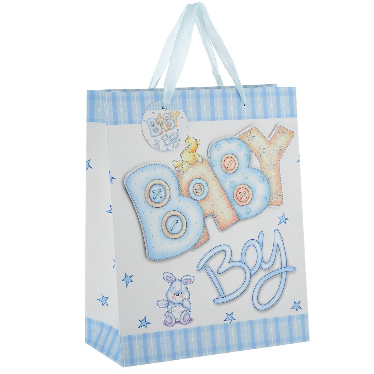 Пакет подарочный Малыш, цвет: голубой, 26 см х 10 см х 32 см1061-SB Пакет МалышДизайнерский подарочный пакет Малыш выполнен из плотной бумаги и оформлен аппликацией в виде надписи Baby Boy, покрытой сверкающими блестками. Дно изделия укреплено плотным картоном, который позволяет сохранить форму пакета и исключает возможность деформации дна под тяжестью подарка. Для удобной переноски имеются две атласные ручки. Подарок, преподнесенный в оригинальной упаковке, всегда будет самым эффектным и запоминающимся. Окружите близких людей вниманием и заботой, вручив презент в нарядном праздничном оформлении.